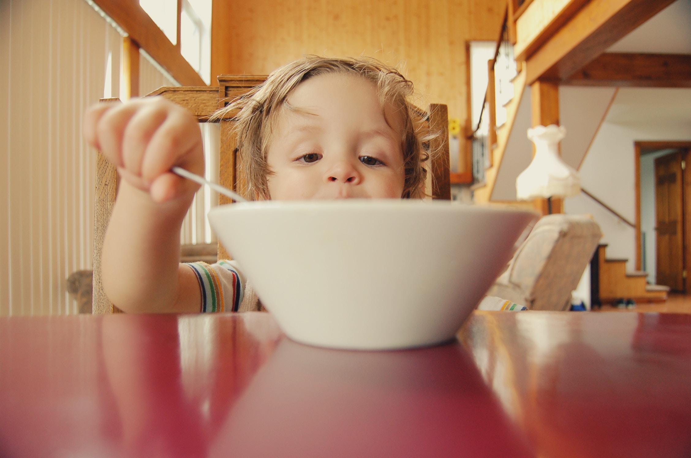 Dicas de ouro para fazer o seu filho comer melhor